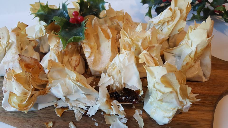 Filo mince pies middle