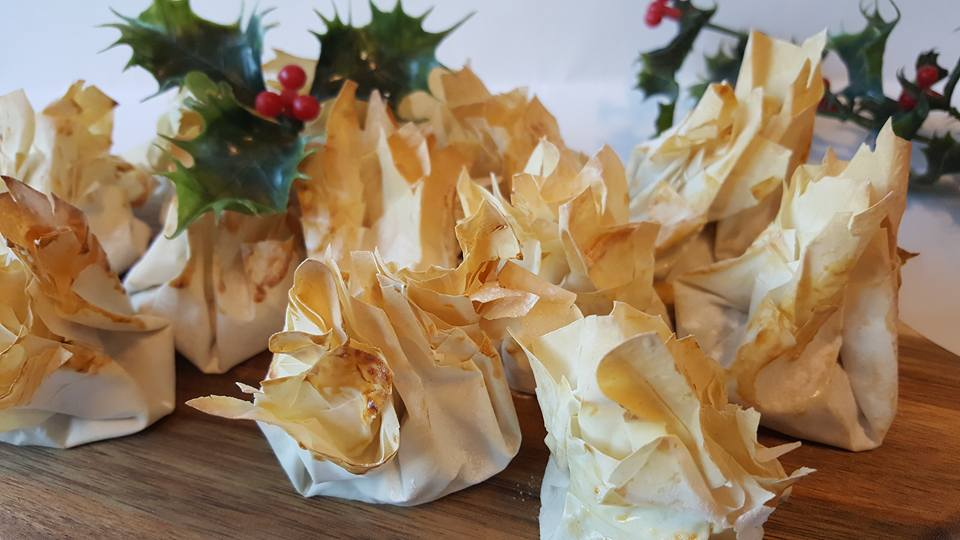 Easy filo mince pies