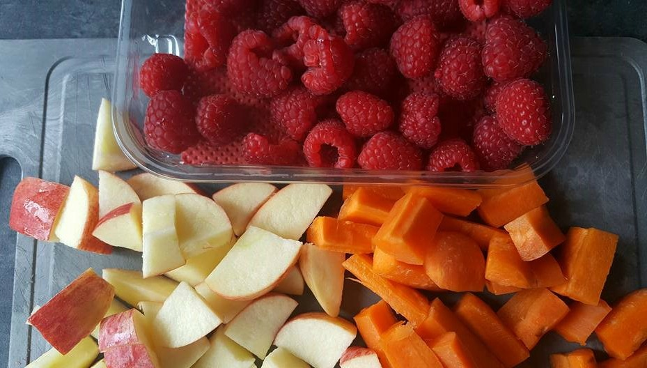 Apple, carrot and raspberry juice ingredients