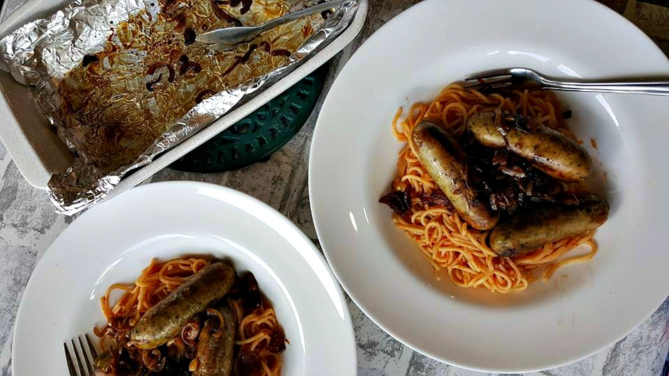 Balsamic glazed sausages with spicy spaghetti
