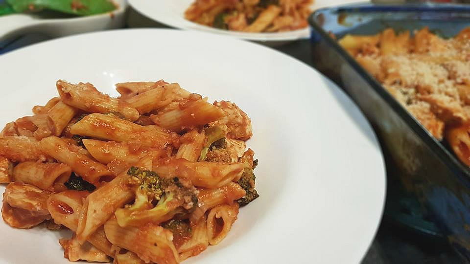 Chicken broccoli pasta bake plated