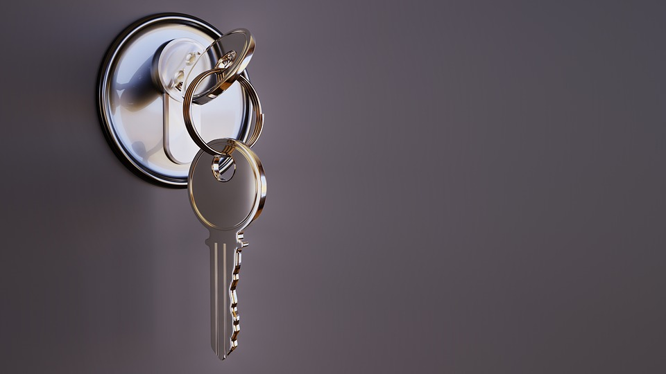 Lock. key. top home security tips