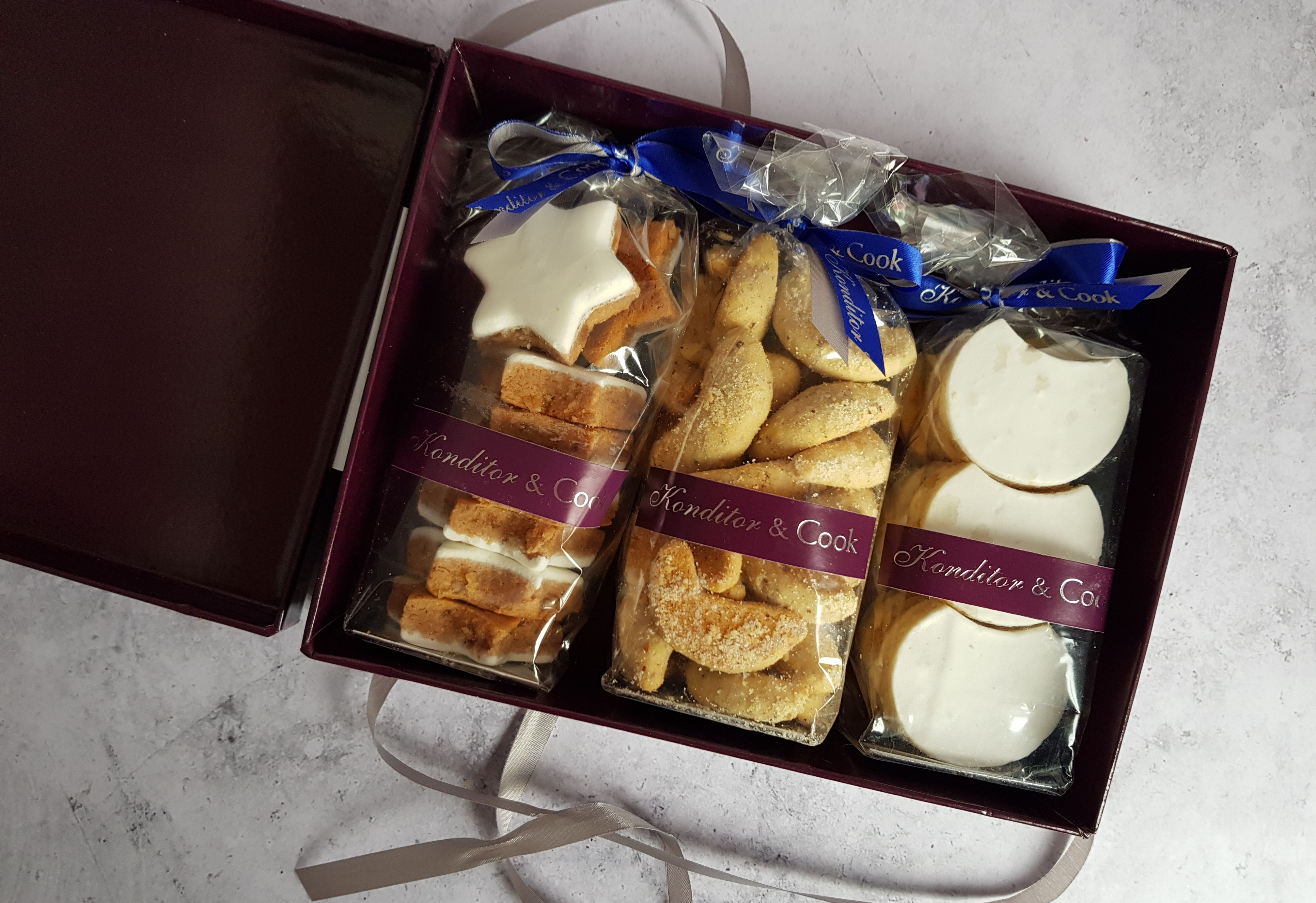 Konditor & Cook gift box open