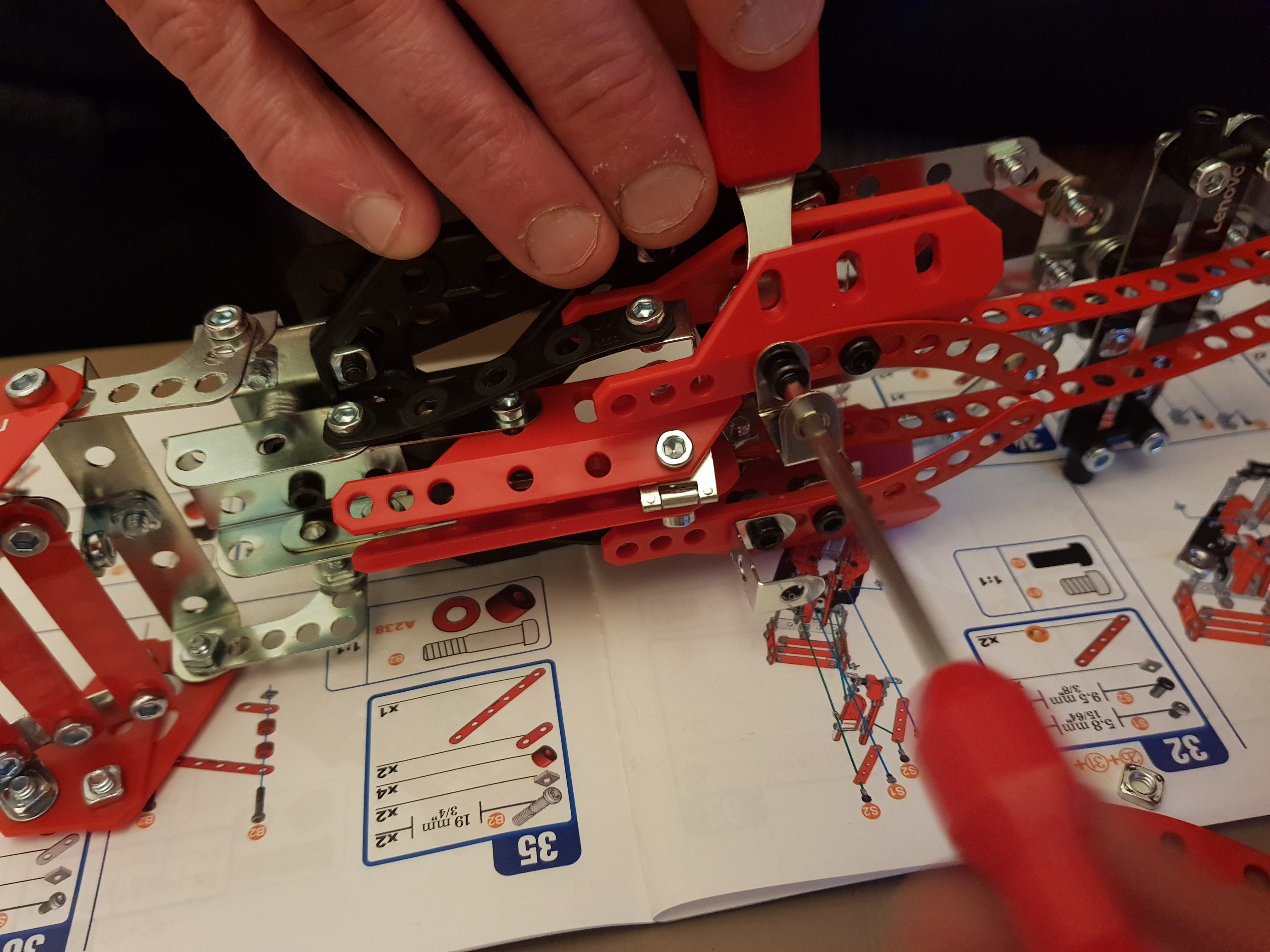 Meccano Ferrari Formula 1 vehicle building