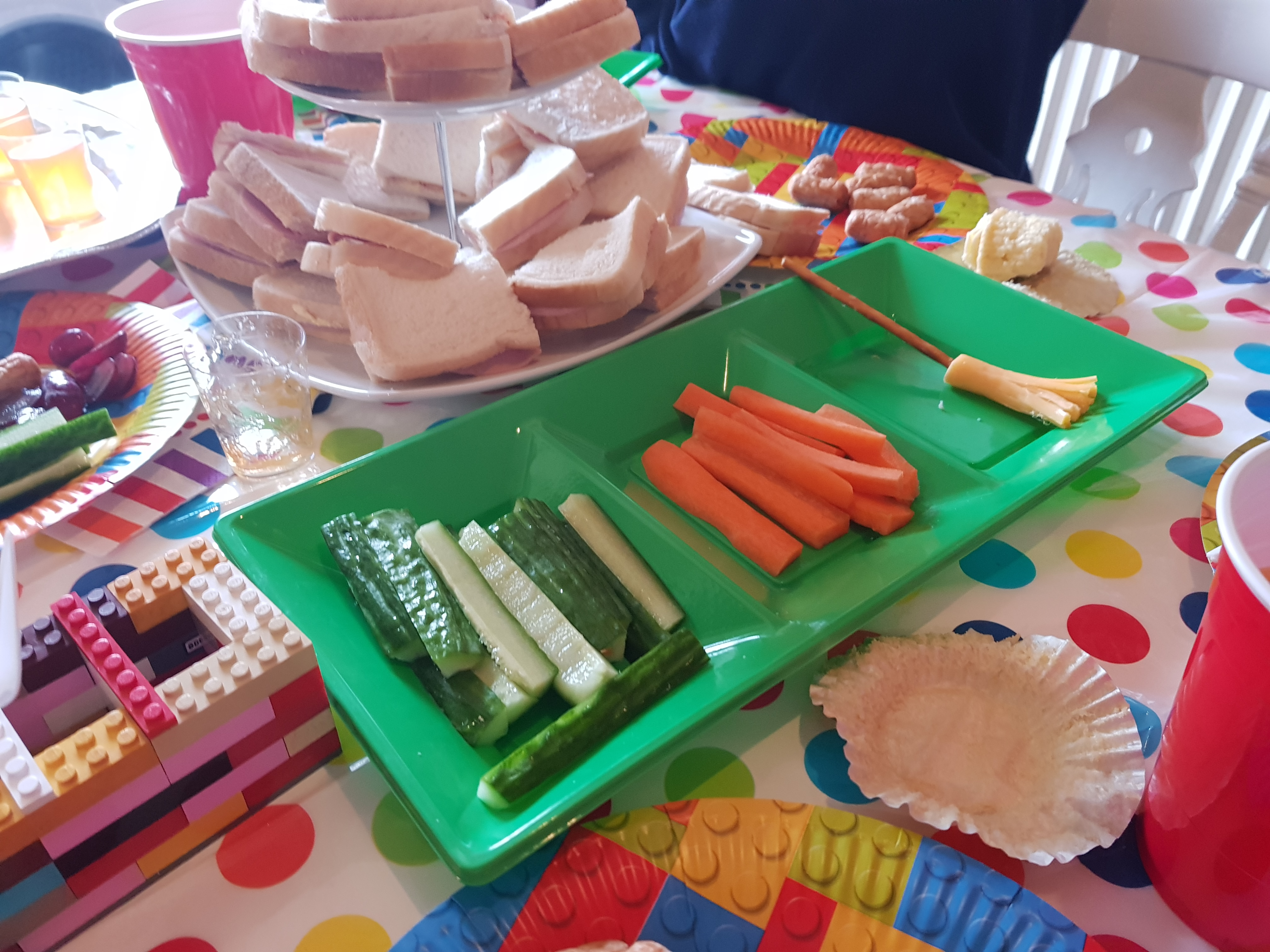 Cucumber sticks, carrot sticks, sandwiches