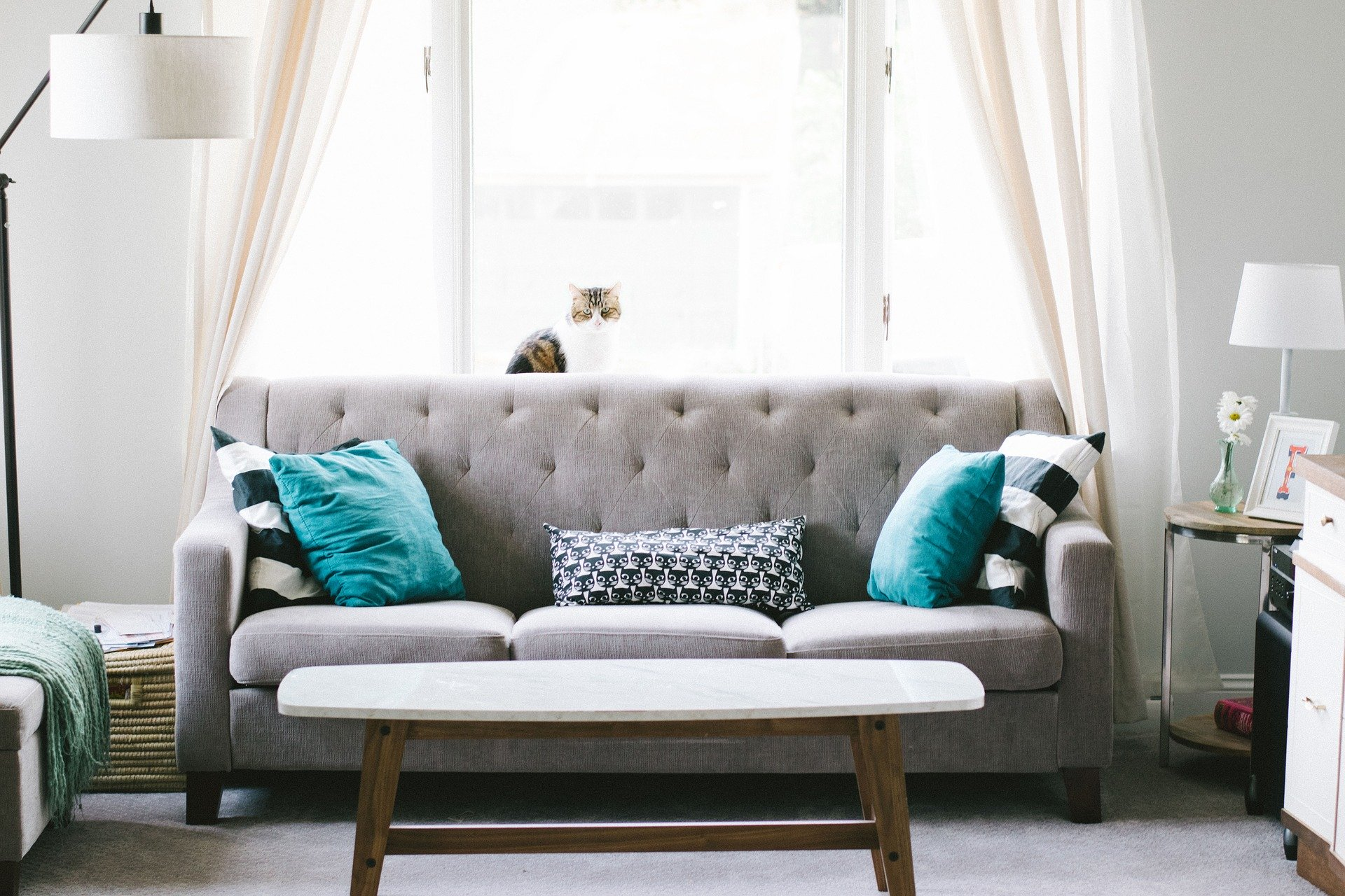 4 Simple Tricks To Make Your Living Room More Inviting